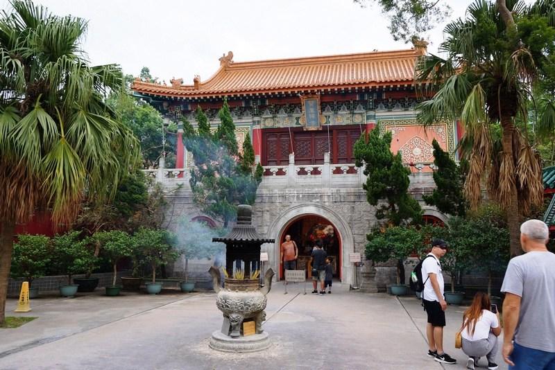 Po-Lin-Monastery-2